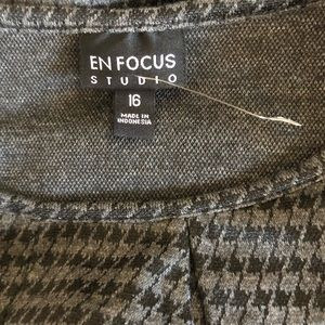 Enfocus Studio Dresses - Perfect fall dress in gray houndstooth size 16